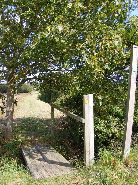Footpath to the B1079 Grundisburgh Road