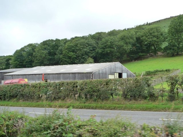 Building at the eastern end of Lower Sylfaen Farm
