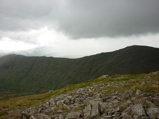 Rocks on the ridge south of Hart Crag