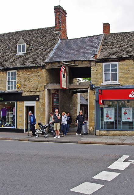 Entrance to Wesley Walk, High Street, Witney