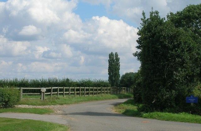 Track to Thornhill Farm