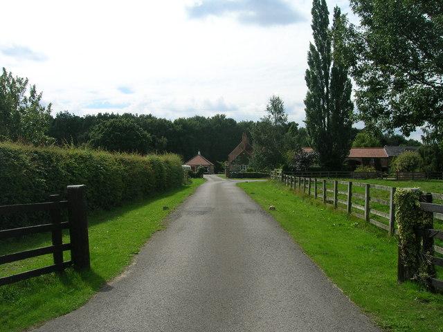 Track to Haggwood Farm (footpath)