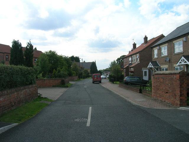 Main Street, Deighton