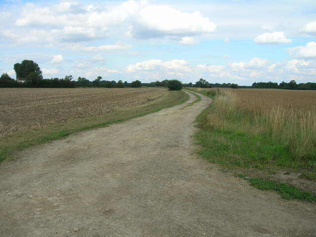 Farm track off Howden Lane