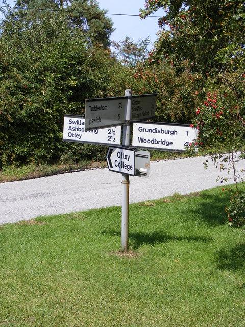 Roadsign at the Stoney/Clopton Road Crossroads