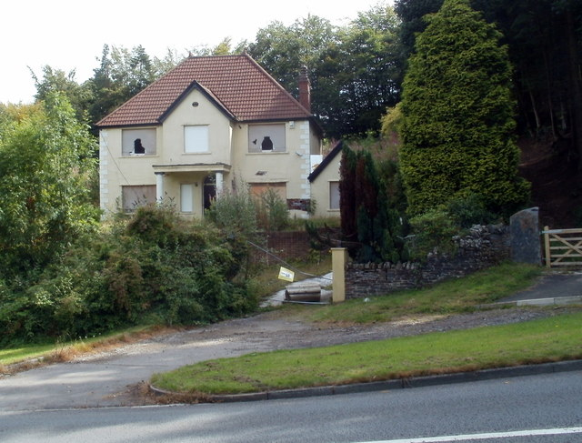Boarded-up house, Mountain Road, Caerphilly