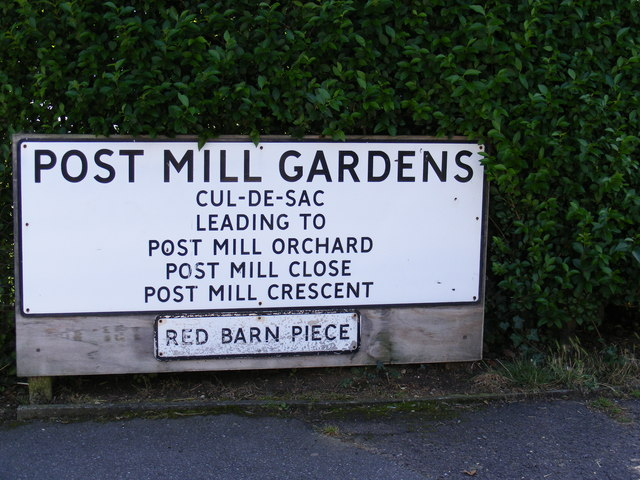 Post Mill Gardens, Grundisburgh name sign