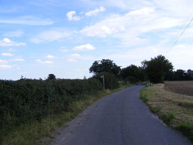 Gull Lane, Grundisburgh & footpath to Ipswich Road