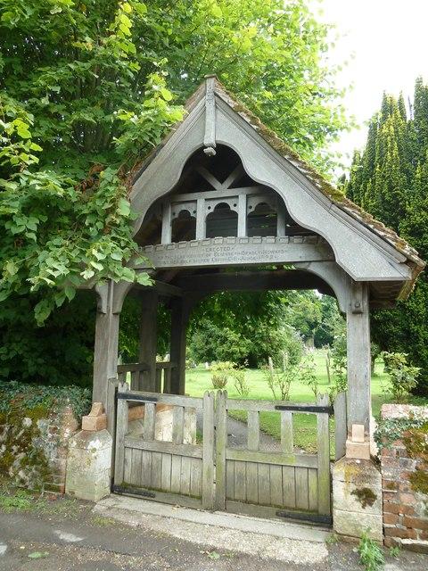 Holy Rood, Holybourne: lych gate