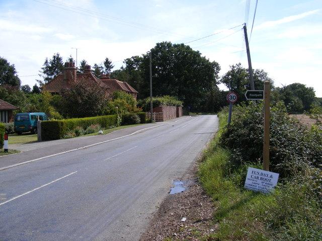 Ipswich Road & footpath to Woodbridge Road