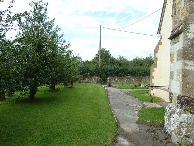 Holy Rood, Holybourne: churchyard (d)