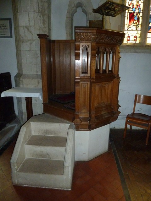 Holy Rood, Holybourne: pulpit