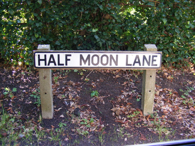Half Moon Lane sign