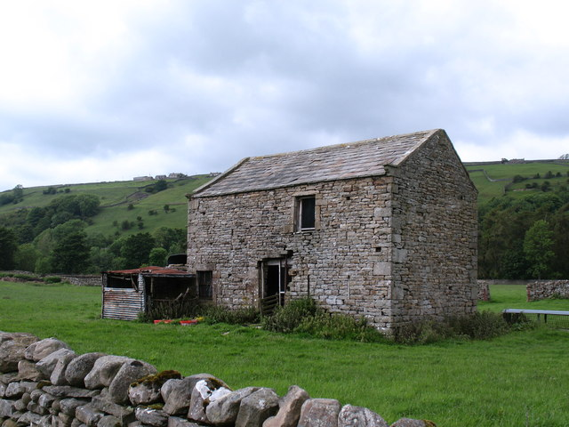 Field barn near Isles Bridge
