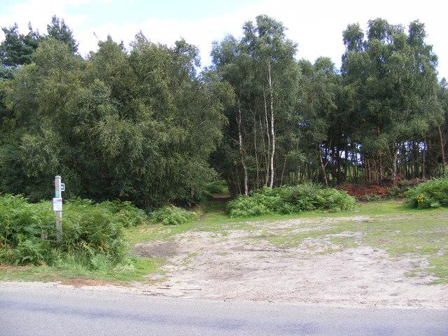 Footpath to Sandlings Walk