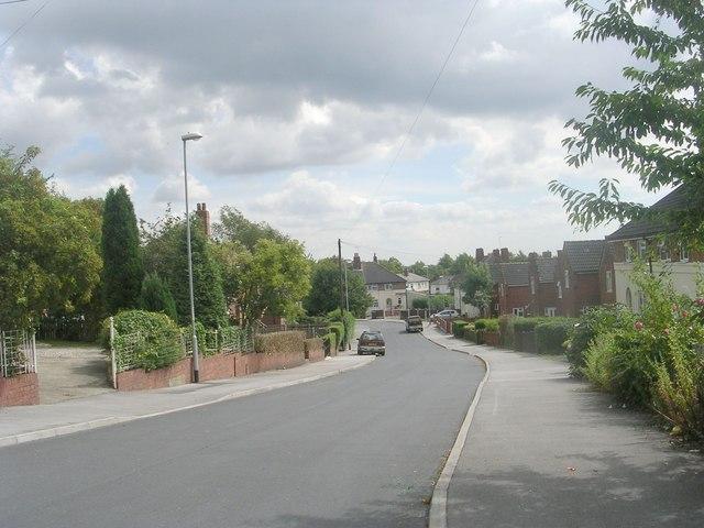 King Edward Crescent - King Edward Avenue