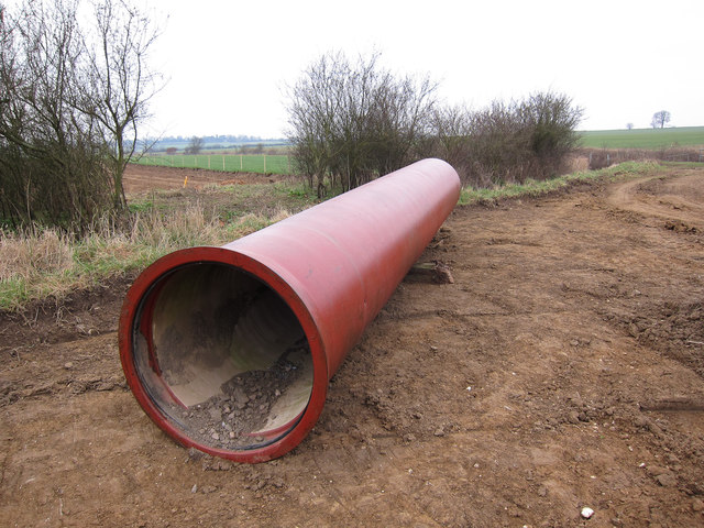New pipeline by Kirtling Brook