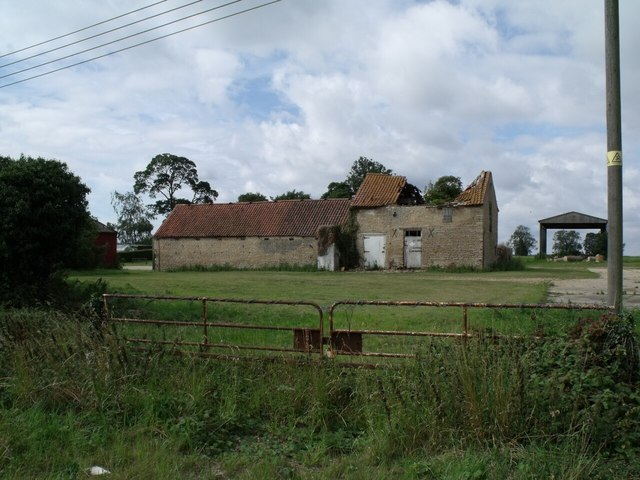 Derelict Barn at Hall Farm, near Thorpe Tilney