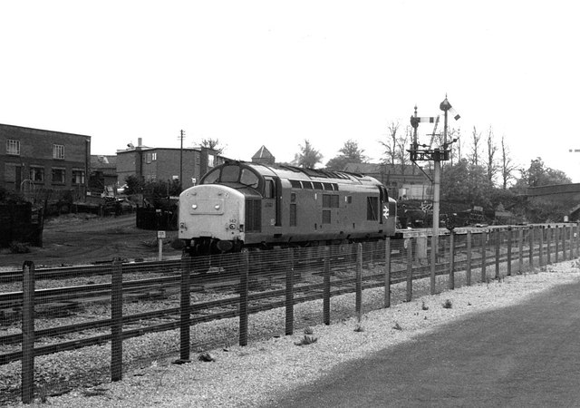 Class 37 at Droitwich Spa, 1990