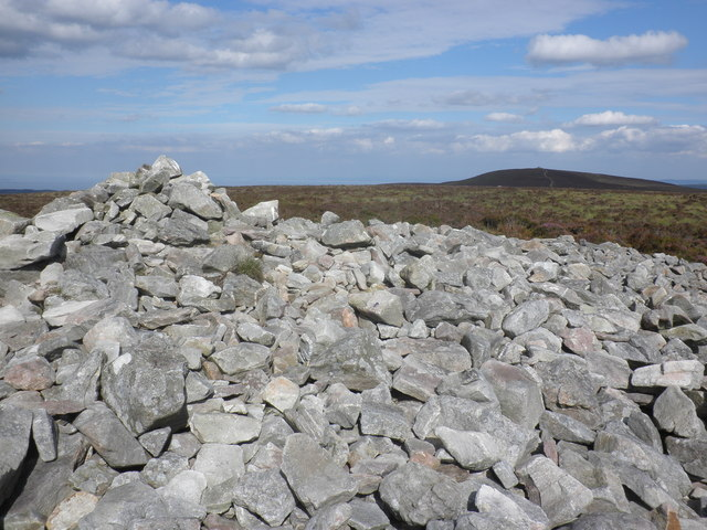 Summit cairn, Great Rowbarrow