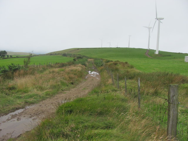 Looking west along the Ridgeway Walk