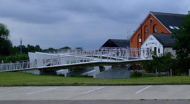 Footbridge over the STort