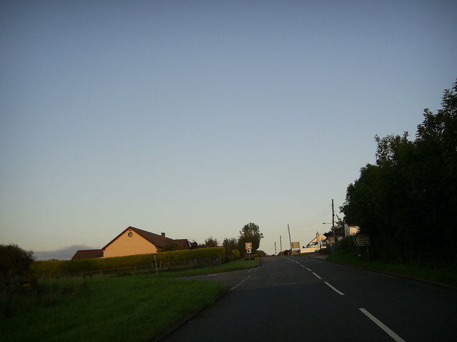 Road junction near Foelgastell