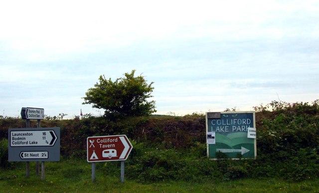 Road signs near Mennabroom