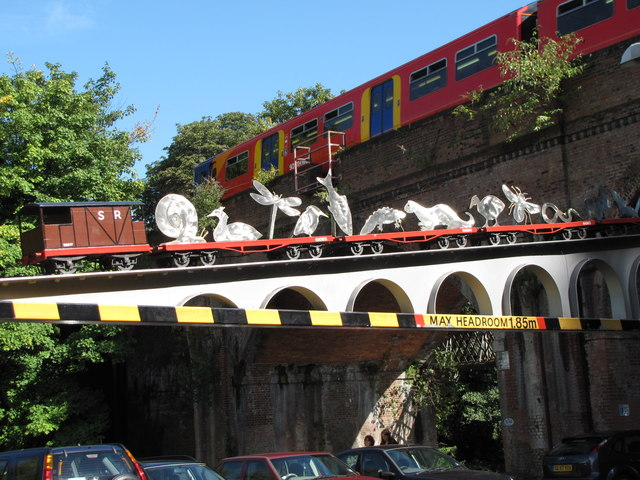 The train height barrier at Woodbridge Meadows