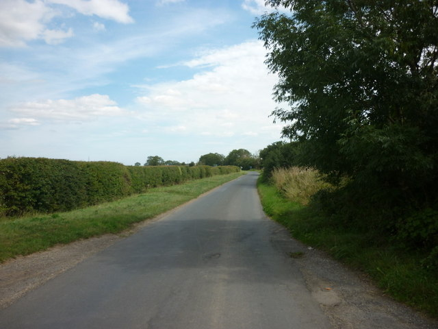 Looking west along Stockbridge Lane