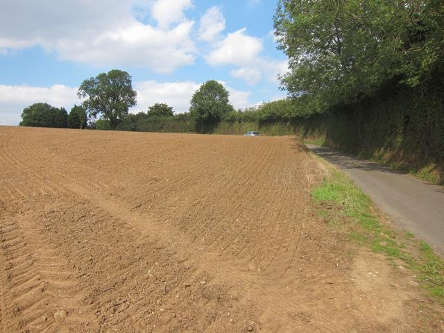 Ploughed field by Stonestile Farm Road