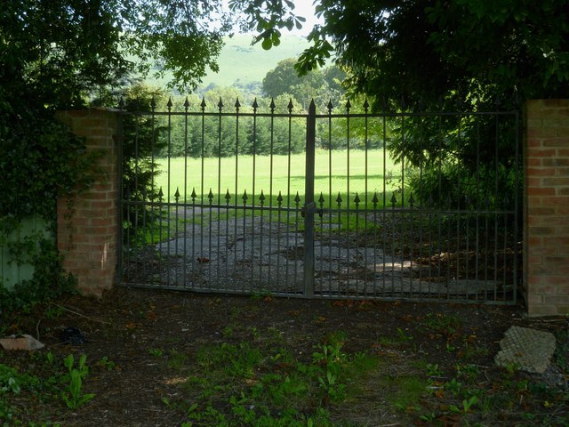 Gates on Clappers Lane