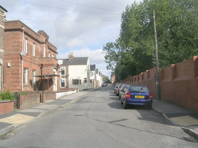 Ovington Terrace - viewed from South Bank Avenue