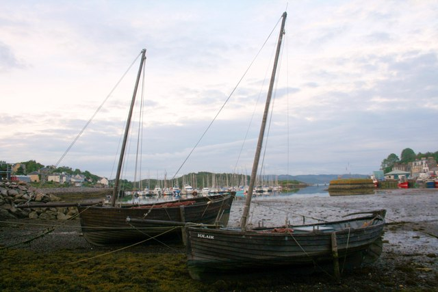 Two Old Ladies at Tarbert