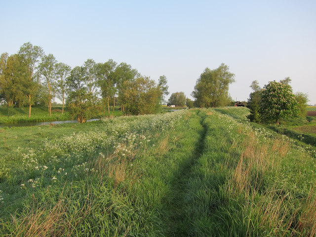 Footpath along River Great Ouse