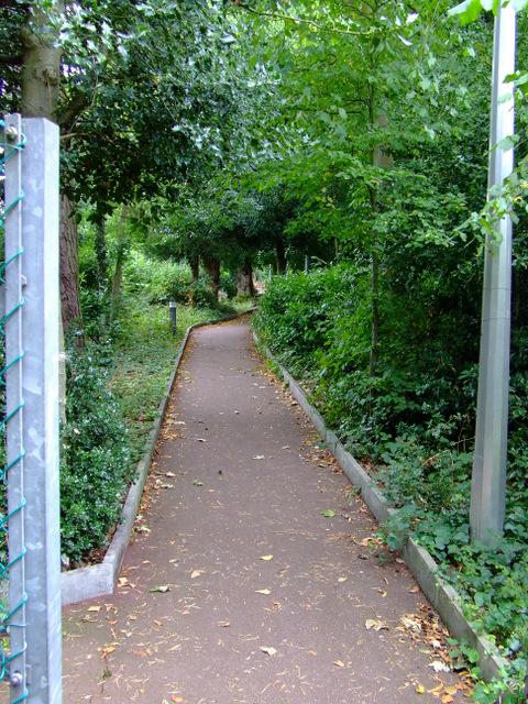 Footpath off Apton Road