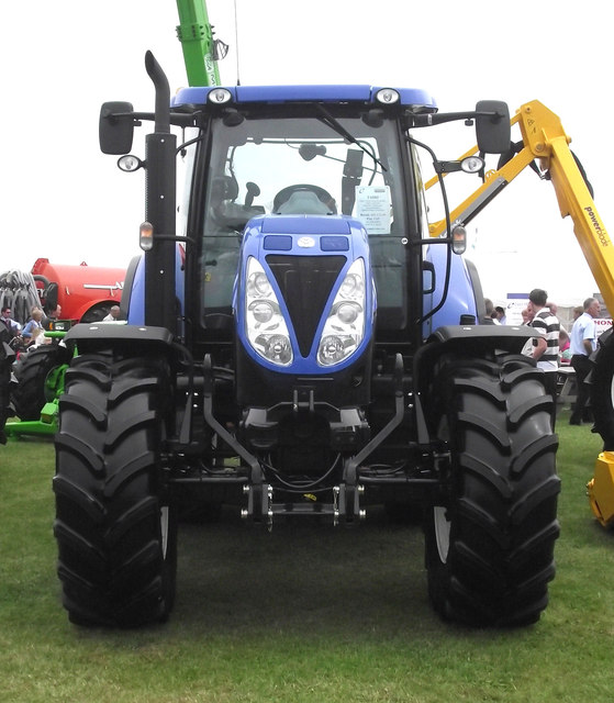 Big Blue Tractor 169 Seo Mise Geograph Britain And Ireland