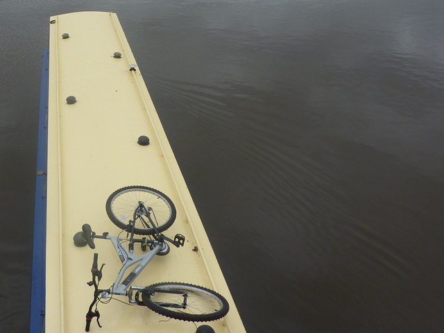 Narrow boat roof, with bicycle