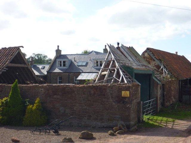 Rural East Lothian : Roofless at Ruchlaw West Mains