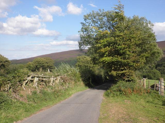Minor road to Cloutsham
