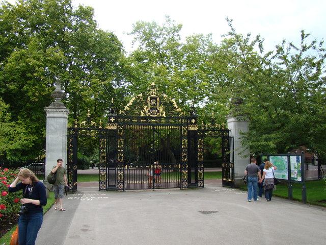 Regent's Park gates
