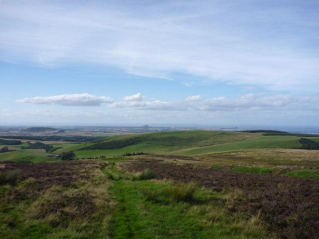 East Lothian Landscape : Looking Down The  Deuchrie Edge Track