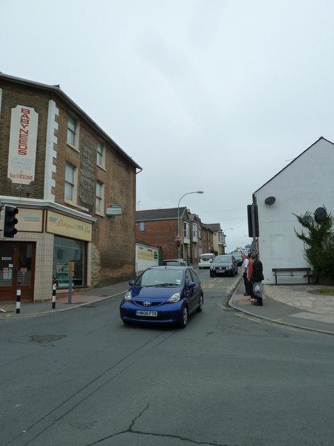 Looking from St John's Road across High Street towards Green Street