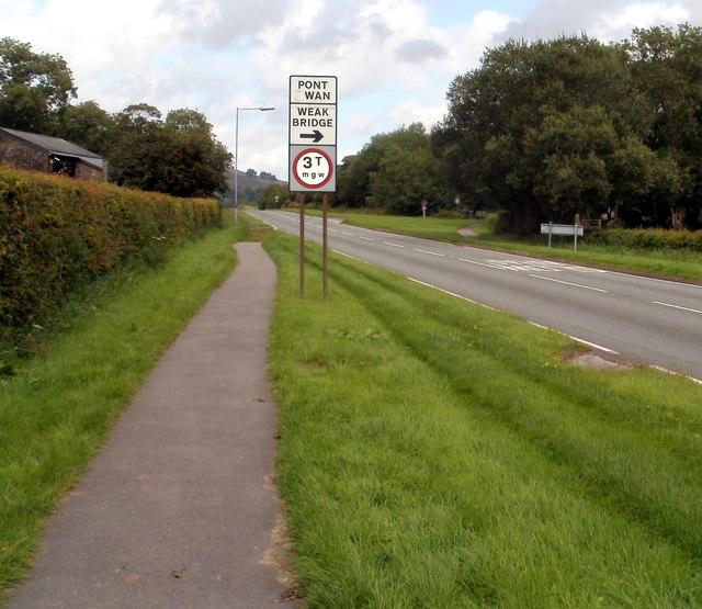 Footpath alongside the A4067, Glyntawe