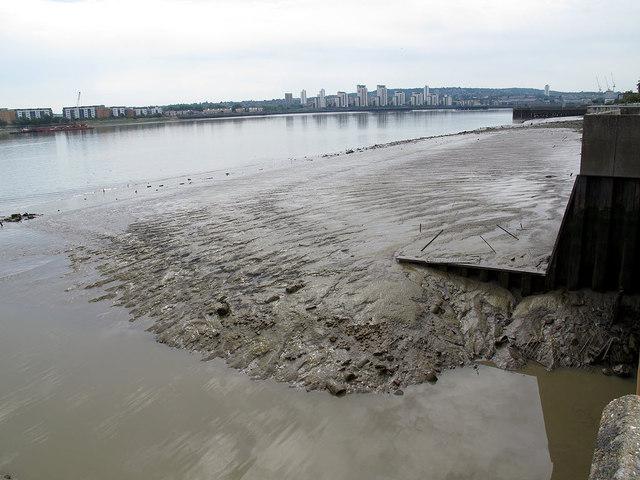 Low tide on Gallions Reach (1)