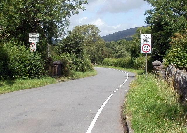 Weak bridge, Pont Haffes, Glyntawe