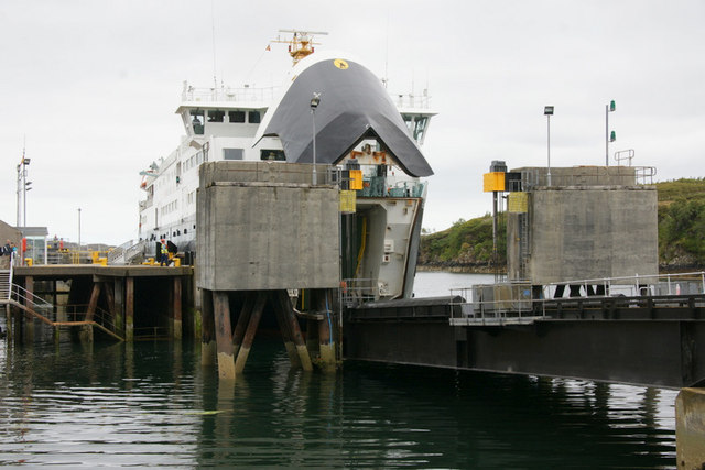 MV Hebrides at the pier in Tarbert