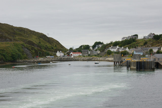 Tarbert from the departing ferry