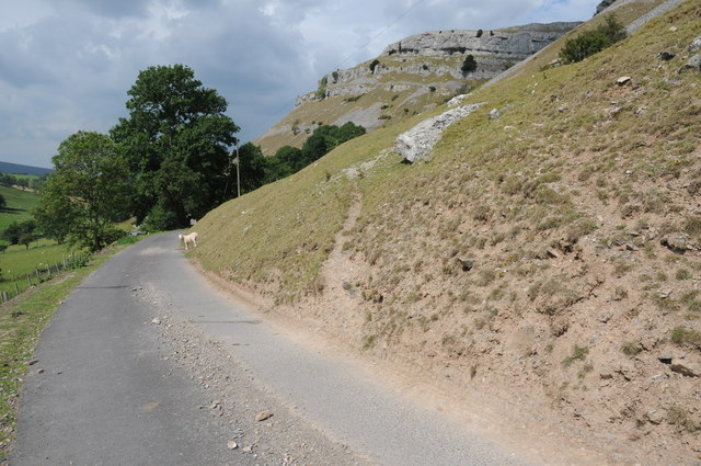 Road below Creigiau Eglwyseg
