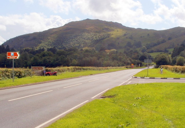 A4067 heads SW away from the entrance to Dan-yr-Ogof, Glyntawe